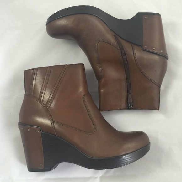 Dansko Faith Brandy Antique Ankle Booties Brand new Dansko booties in a rich dark brown. Two tone heel detailing. These boots are soooooo comfortable you can wear them all day! I have them in black too and wear those all the time! Dansko Shoes Ankle Boots & Booties