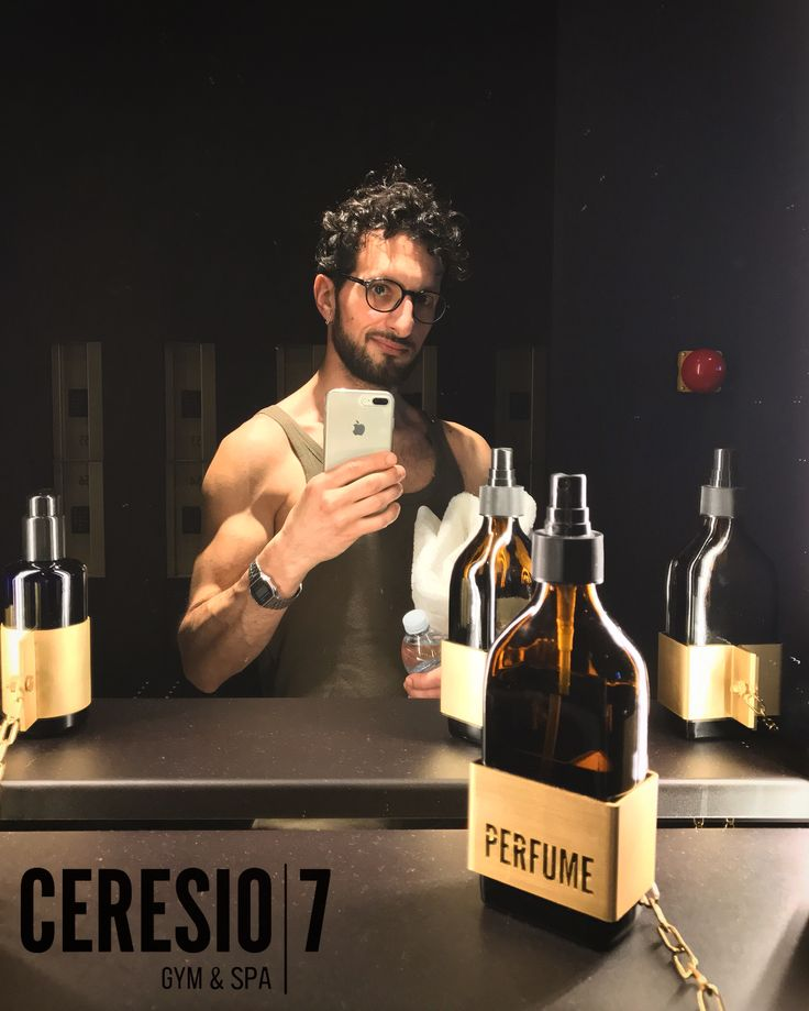 Self-timer Before Training @ceresio7gymspa  🔝🖤📱😱🏋🏻💡🚿💯🇮🇹 #photo #man #accessories #gold #fragrance #parfume #selftimer #training @ceresio7gymspa #top #gym #spa #styles #style #stilist DeanDan #Dsquared #minimal #chic #shootingtime #love #training #entrance #accessories #parfum #wood #black #socialnetwork #pinterest #instagram #followme #followers #kiss