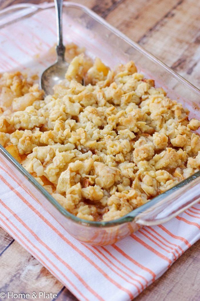 Homemade Honeycrisp Apple Crisp http://www.homeandplate.com/blog/2015/homemade-honeycrisp-apple-crisp