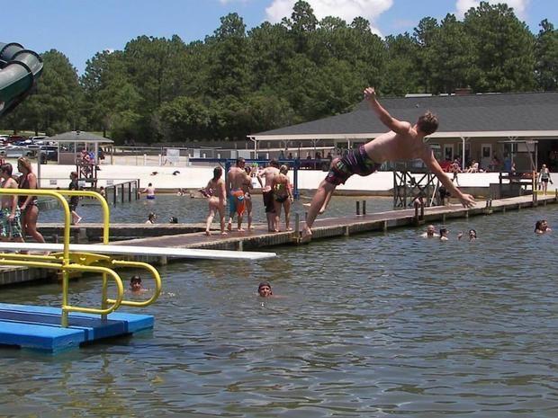 Fantasy Lake Water Park: North Carolina man dies from brain-eating ameoba (Naegl... 2