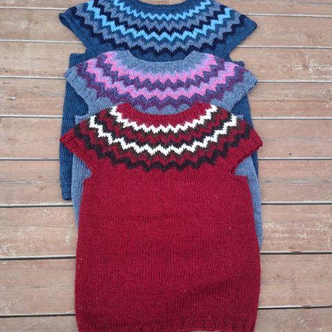 Made by @lillylund ✨ #vest #beautiful #pattern #strikkeglede #strikkedilla #strikking #knitting #istex #icelandic #handmade #handcrafted #islandskstrikk #lopi #lopistrikk #lopapeysa #lettlopi #norway