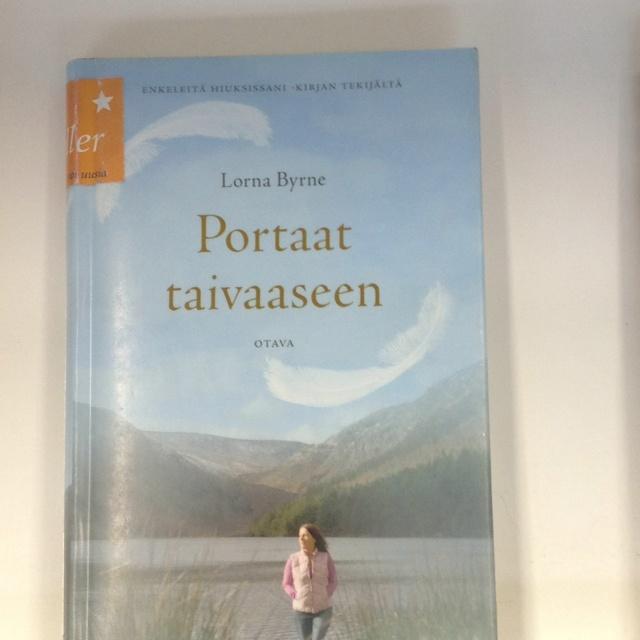 Portaat taivaaseen / Lorna Byrne ; suomentanut Tarja Kontro