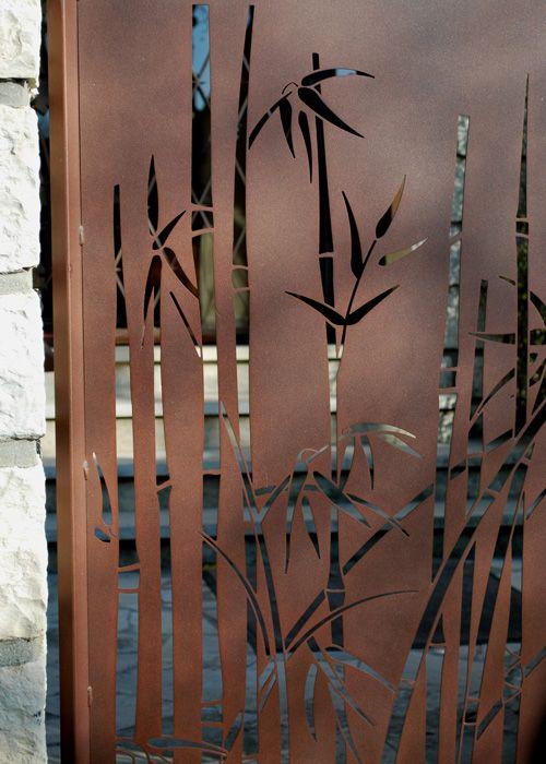portail bambou  Decor en 2019  Dcoration murale mtal Portes de clture et Deco bambou