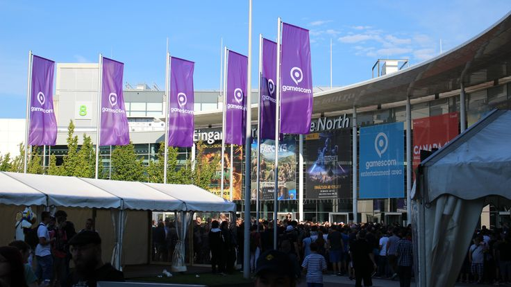 Gamescom 2017 is open to the public August 23 to August 26, and the crowds are already piling in in their droves. Guests turning up on the first day without tickets were being told that there were no more day tickets available. If you're one of those unlucky enough to have not...