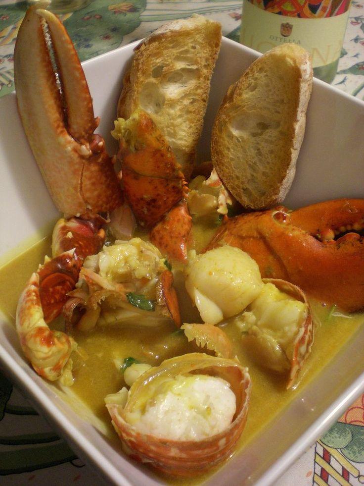 Una zuppa di pesce deliziosa, presa dalla tradizione sarda, ed esattamente di Bosa, dove si pescano deliziose aragoste, protagoniste di questo piatto saporitissimo.