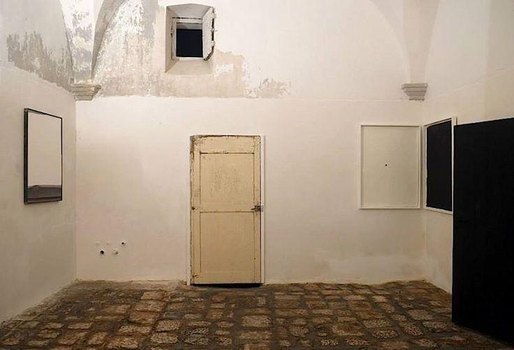 Lo spazio galleria a piano terra del palazzo mongi dell for Galleria del piano casa