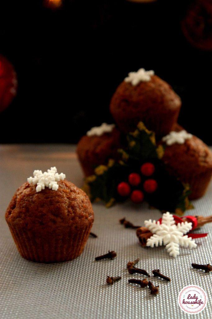 Ekspresowy przepis na świąteczne piernikowe muffinki, przygotowanie ich to naprawde 15 minut, a smak i aromat dorównuje niejednemu piernikowi.