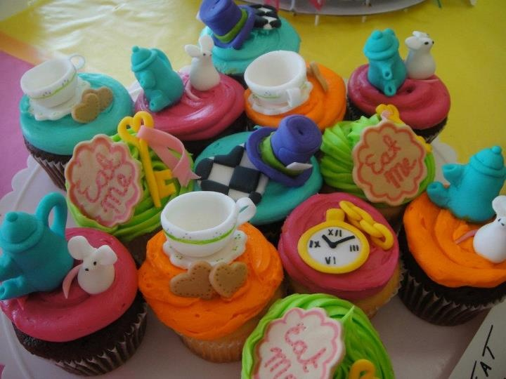 mad hatter cupcakes - photo #45