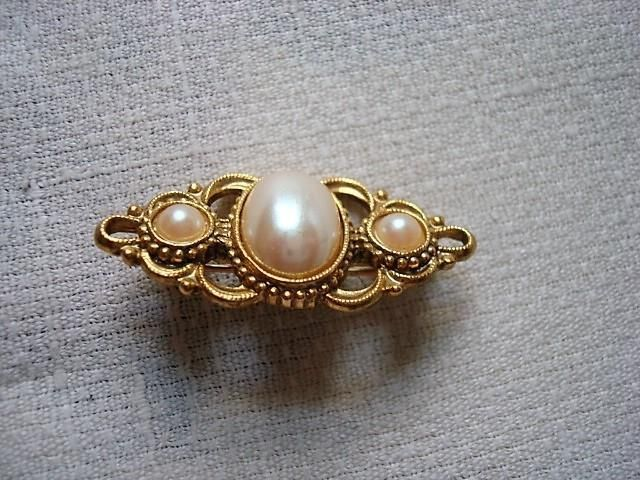 1928 Jewelry Company Art Deco Style Gold Tone Pin Brooch With Faux Pearls  | eBay