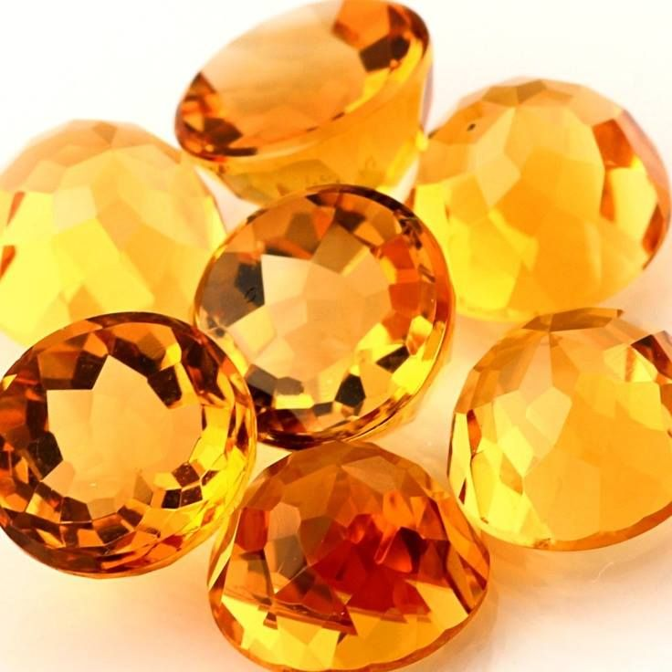 What color is topaz birthstone-3390