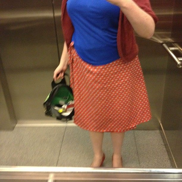 blote benen - dag 27 - snel in de lift, de wikkelrok van mme zsazsa