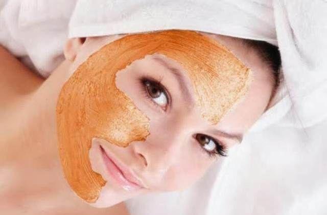 La zucca è un ortaggio eccezionale anche per la cura della pelle! Leggi come preparare un ottimo scrub per il viso tutto naturale.