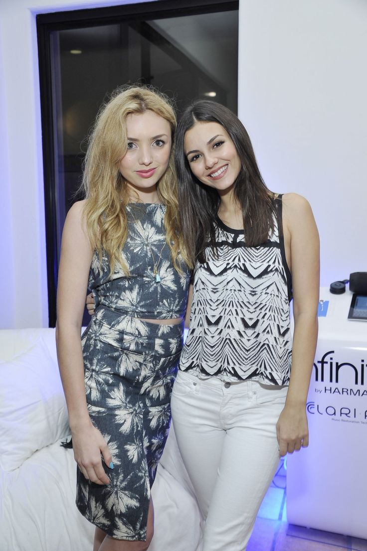 Peyton List & Victoria Justice  – Bunk'd Private Screening