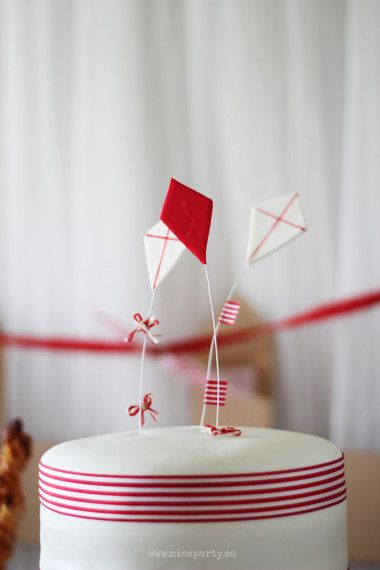 red and white, Mary Poppins party === don't forget the straw boaters!