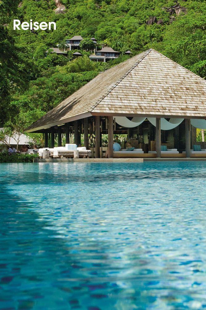 Four Seasons • Willkommen im Four Seasons Ressort Seychelles. Baumhausvillen lugen aus dem leuchtenden Dschungelgrün der Küstenhügel hervor. Relaxen Sie an Ihrem Tauchbecken, bevor Sie zum feinpudrigen Sandstrand spazieren – einem der schönsten der Insel. Schwelgen Sie in Tagen voll barfüßiger Leichtigkeit, untermalt von den Gesängen tropischer Vögel und dem Duft von Zimtbäumen und Frangipani. Erfrischen Sie Ihren Geist...  Bilderserie anzeigen: http://www.imagesportal.com/home38.php