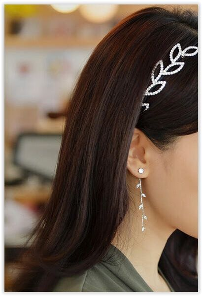 Ticoo - Rhinestone Leaf Drop Earrings