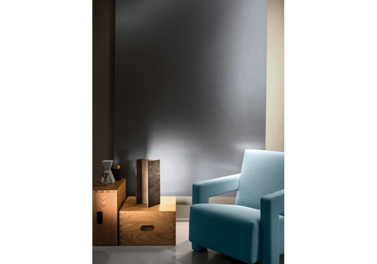 Ο αρχιτέκτονας Rudy Ricciotti σχεδίασε για τον οίκο NEMO ένα βιομηχανικό και άκρος αρχιτεκτονικό φωτιστικό με το όνομα, Mais plus que cela je ne peux pas. Φωτιστικό με έντονη προσωπικότητα όπως όλα τα project του Rudy Ricciotti.