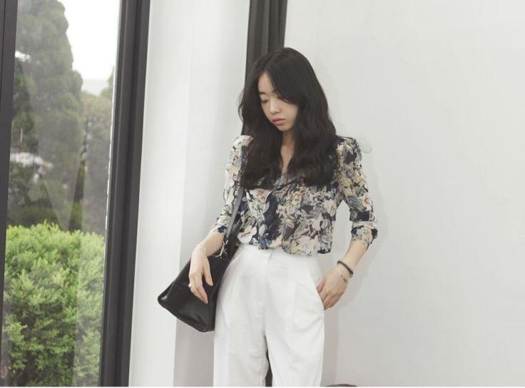 [reflower] 플라워패드 블라우스 / flower pattern shoulder pad blouse : 리플라워