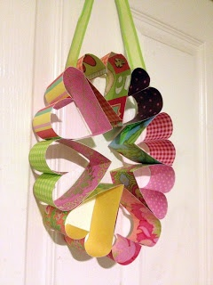 Make a cute paper heart wreath to decorate your room or to make with your students.