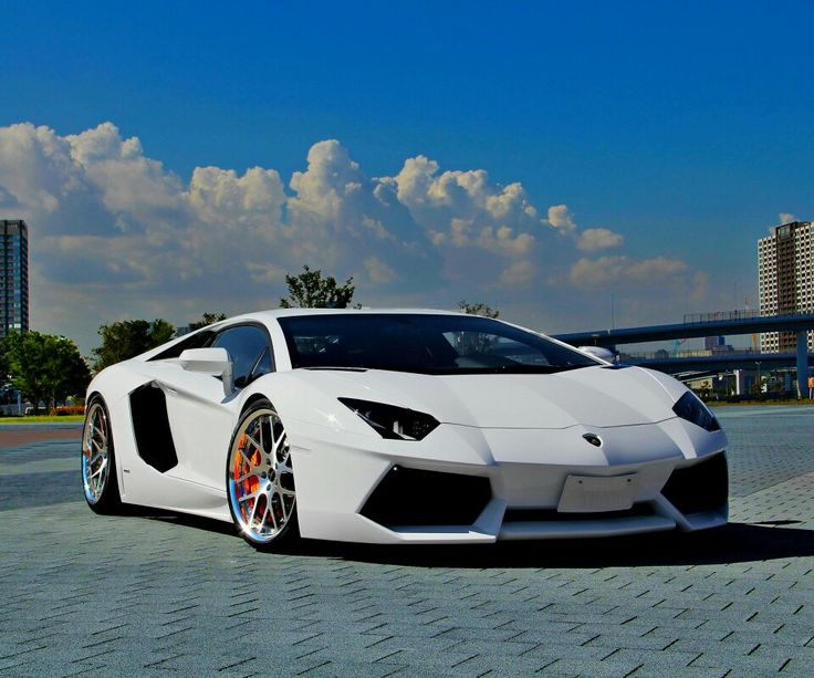 Slick White Lamborghini Aventador Gimme This Car.