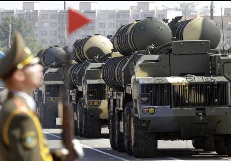 Russian source confirms S-300 missiles to be delivered to Iran this year PIctured: S-300 mobile missile launching systems Photo By: REUTERS