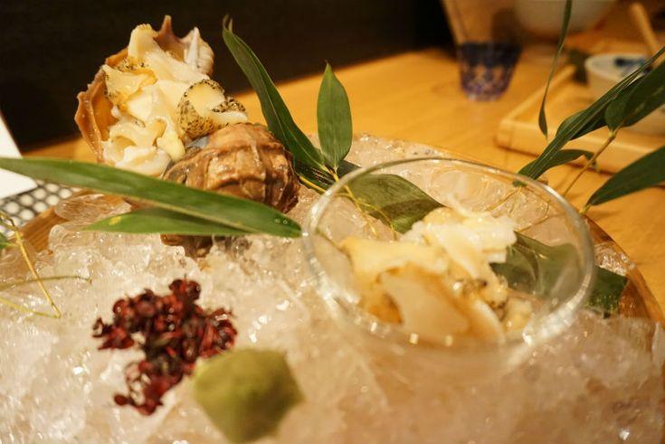 日本酒好き必見! お酒に囲まれながらカウンターでしっぽり♡ | WINE WHAT online