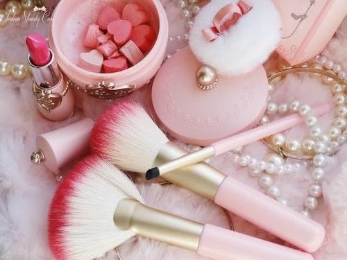 Pink cosmetics <3