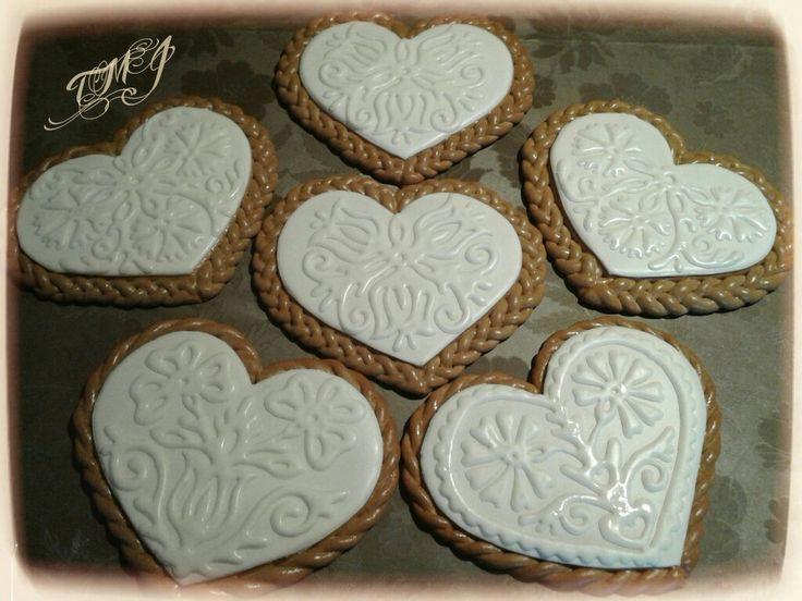 Snowwhite hearts by TMJcreative.