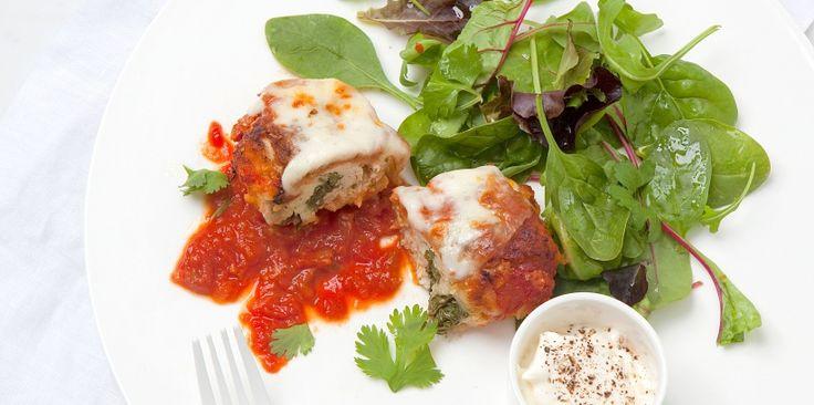 Paupiettes de poulet et mozza à la sauce tomate