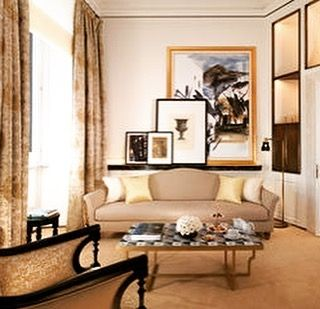 Artfully displayed #luxe #wow #livingroom #july #bedroom #instagram #holiday #monday #instadesign #designer #bgg #charmainewynterinteriors #texas #dallas #southlake #a #bespoke #livingwell #keller #thegoodlife #grapevine #ahs #likeforfollowback #colleyville #fortworth #southernliving #today #family #trending #art