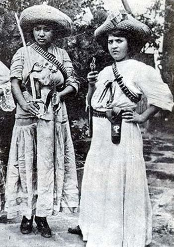 """Las Adelitas fueron soldadas (o mujer soldado), que no sólo cocinaban y cuidaban a los heridos, también luchaban. El término Adelita, desde entonces, ha llegado a significar una mujer de fortaleza y coraje """"."""