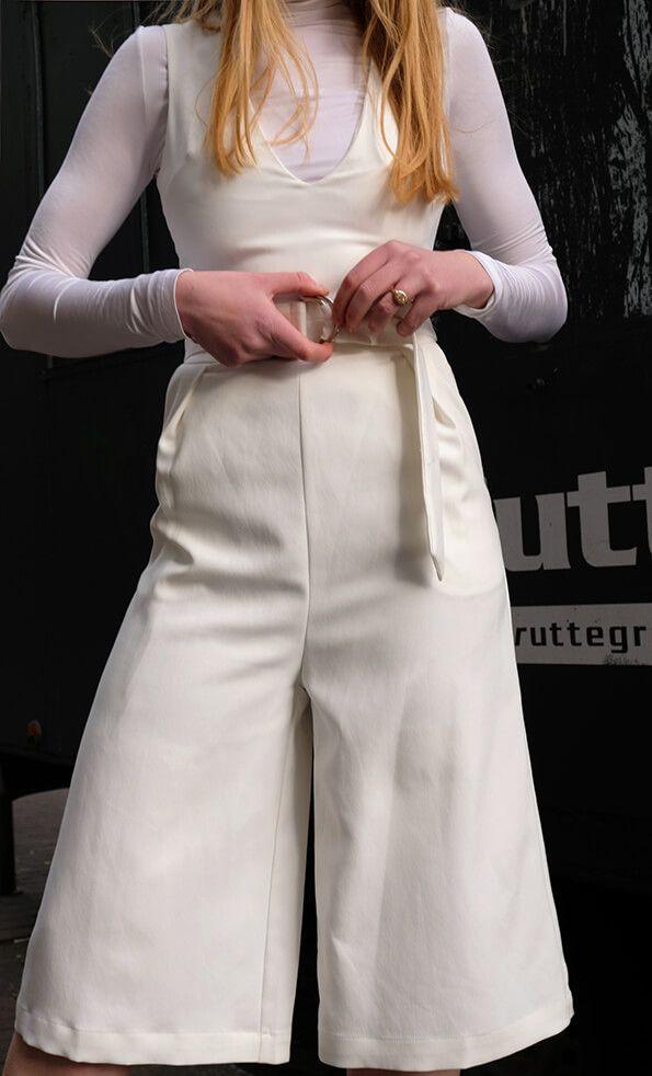 Lavish Alice jumpsuit #bloggerstyle #jumpsuit #highwaisted #ootd #white #whitesuit #clothing