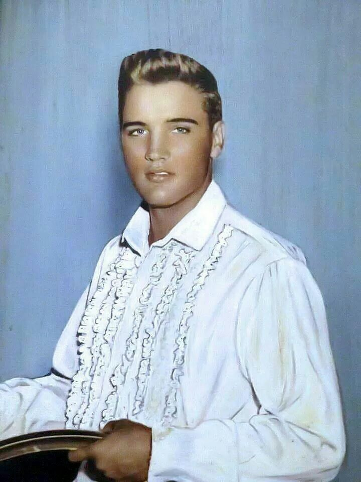 Pleasing 17 Best Ideas About Young Elvis On Pinterest Elvis Presley Young Hairstyle Inspiration Daily Dogsangcom
