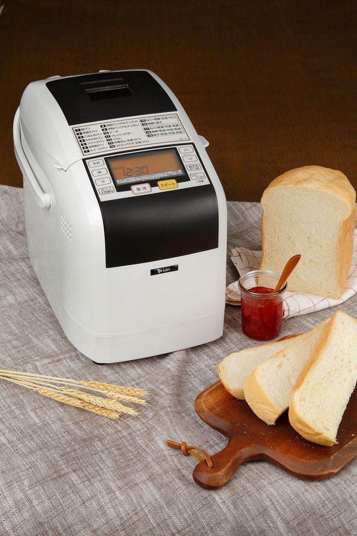 MK精工 自動ホームベーカリーふっくらパン屋さんHBK-151 本格的なパン作りが出来るホームベーカリー。 他機種よりも一工程多く焼き上げるので、パン屋さんのようなパンがおうちでカンタンに作れます。