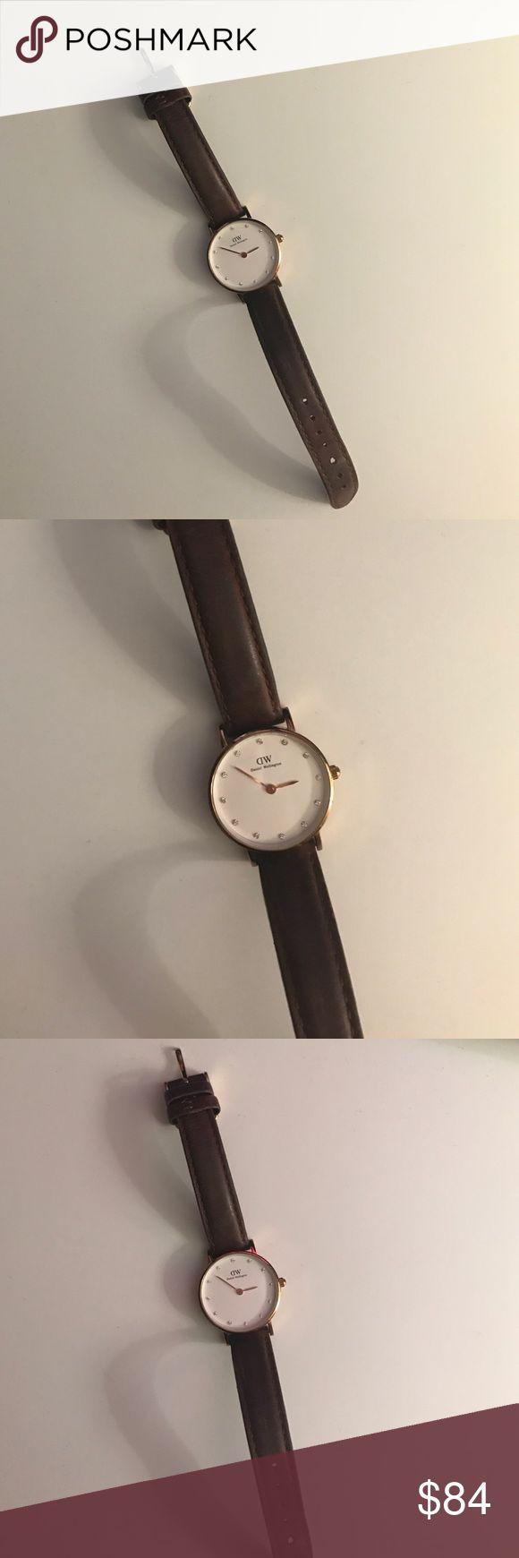 Daniel Wellington brown leather watch Daniel Wellington watch with brown leather straps. great condition. Daniel Wellington Accessories Watches