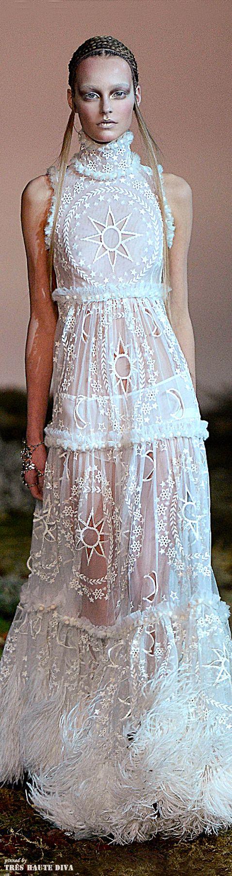 Alexander McQueen Fall/Winter 2014 RTW // Paris Fashion Week                                                                                                                                                      More