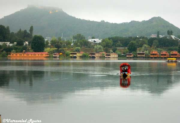 A cuppa of story from Kashmir, India by Charu Sharma