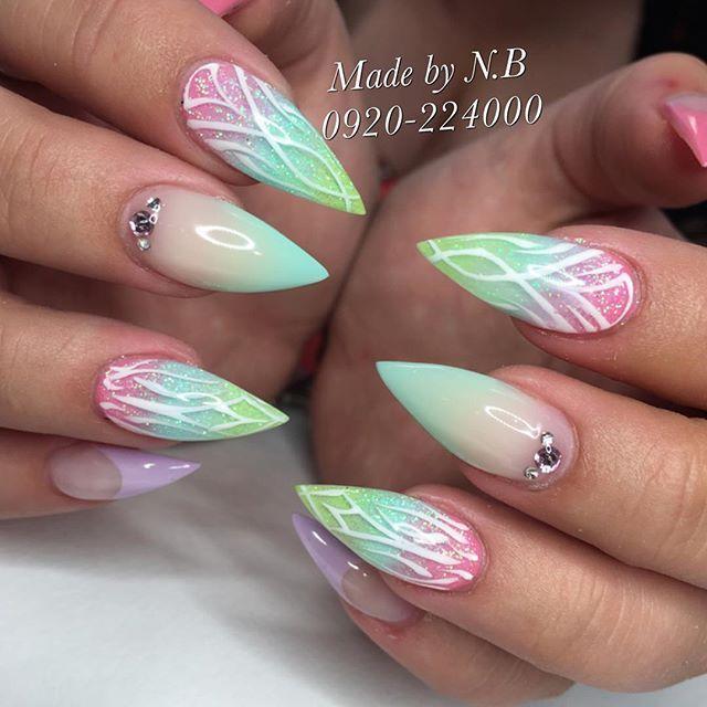 Love this pastel nail art