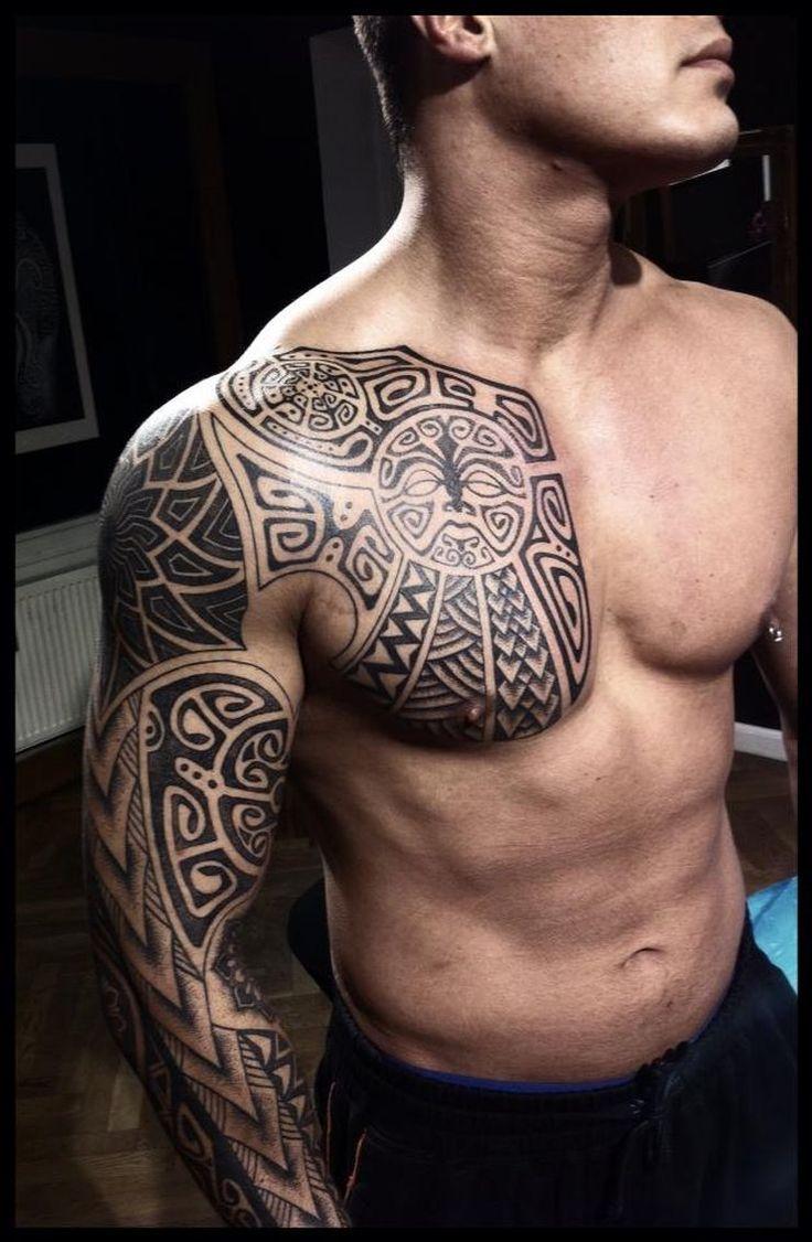 Tatouage viking modernisé dans 20 motifs de l'art du tatouage viking pour homme par le créateur danois Peter Walrus Madsen