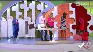 Anna Borrelli cuce una borsa fatta da un'unica cerniera - Detto Fatto del 24/02/2014