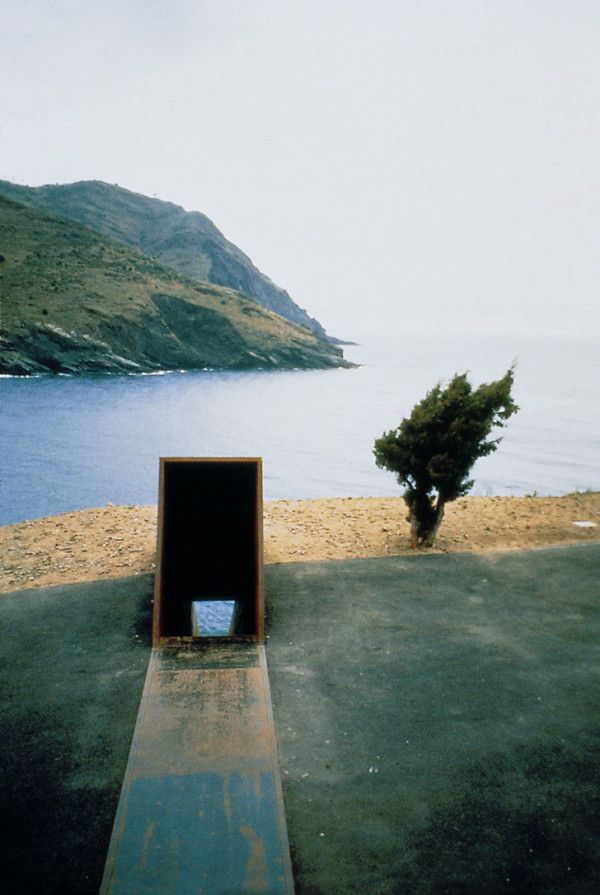 Passages Walter Benjamin by Dani Karavan
