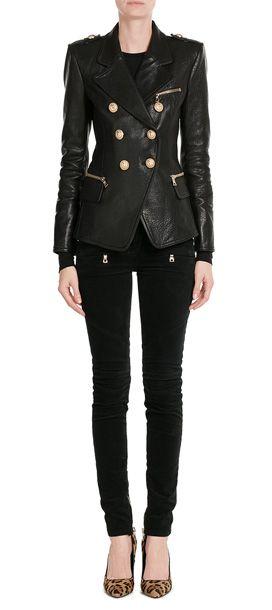 Eine rasante Schnittführung, tiefschwarzes Lammleder und der rockige Look - der Lederblazer ist typisch für Balmain #Stylebop