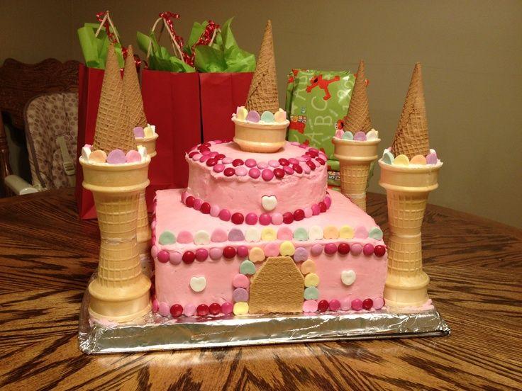 Einfache Castle Cake Designs | Leicht zu montierender rosa Prinzessinnen-Burgkuchen (nur die …   – Lily's 3rd bday