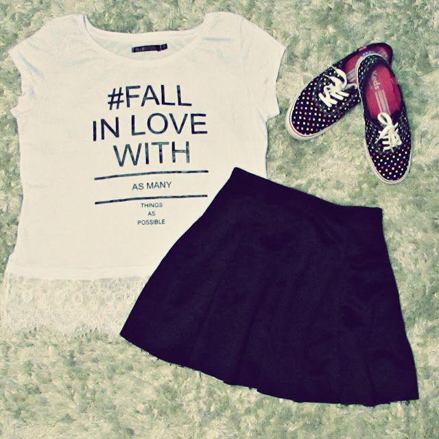 Look com tênis keds dutch dots colors, saia preta rodada e t-shirt com frase fofa - Blog D.klaxon by Daphny Pianaro