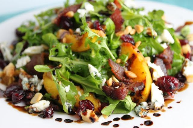 Arugula Salad with Grilled Peaches, Applewood Bacon, Blue Cheese and Toasted Macadamia | The Café Sucre Farine