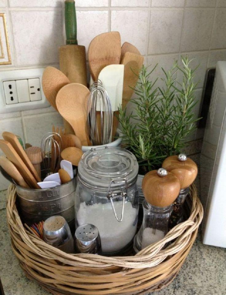 Как навести порядок на кухне? Куда девать кухонную утварь? Как сделать это место максимально удобным для всей семьи? Этими вопросами задается едва ли не каждая женщина. Редакциялюбит...