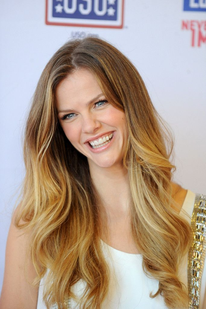 Brooklyn Decker Long Wavy Cut - Brooklyn Decker Looks - StyleBistro