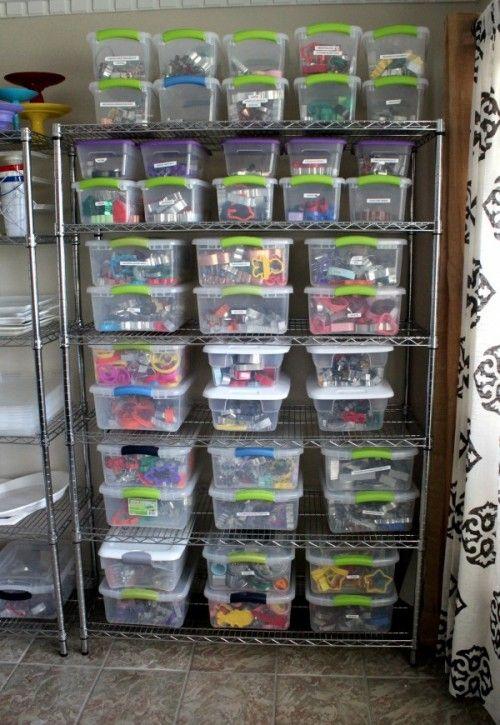 Cookie Cutter Organization by Sweet Sugar Belle.  http://www.sweetsugarbelle.com/