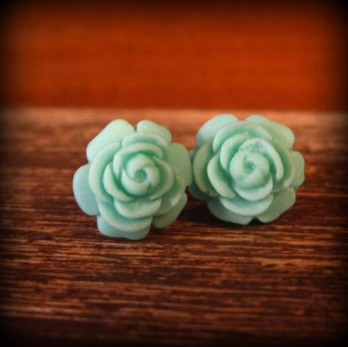 Mint color flower earings...