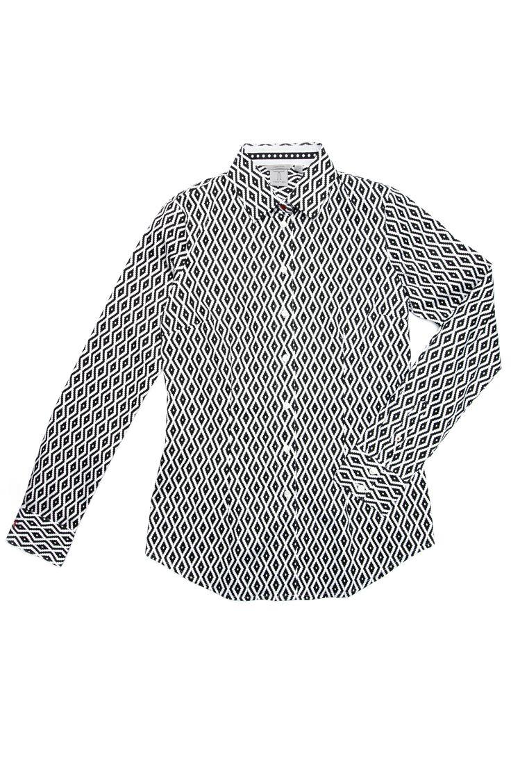 Chemisier imprimé de losanges avec bouton rouge au col / Printed shirt with red button https://www.tristanstyle.com/fr/femmes/chemisiers/chemisier-imprime-de-losange